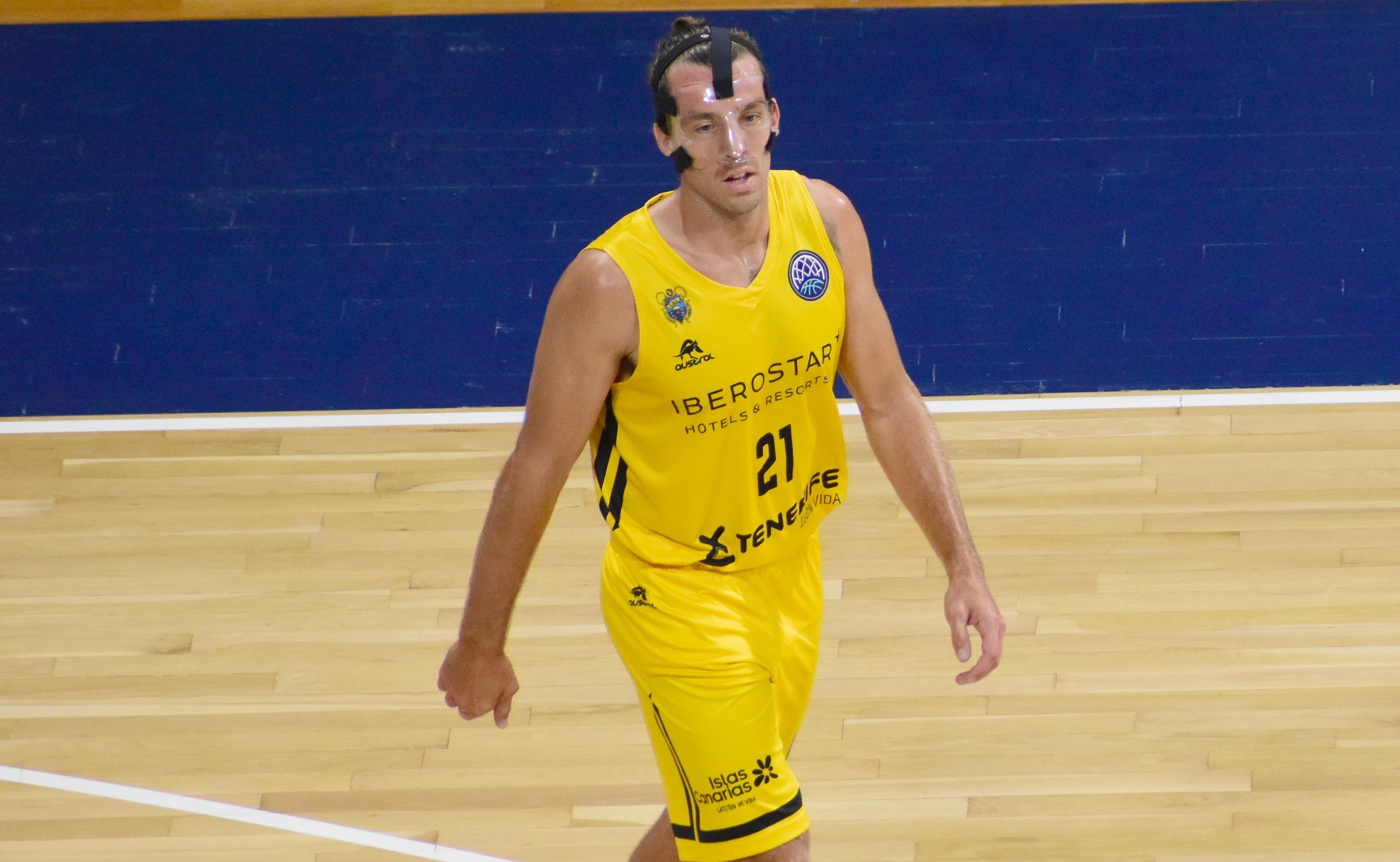 Spencer Butterfield podría debutar en ACB con el Cantera Base 1939 Canarias