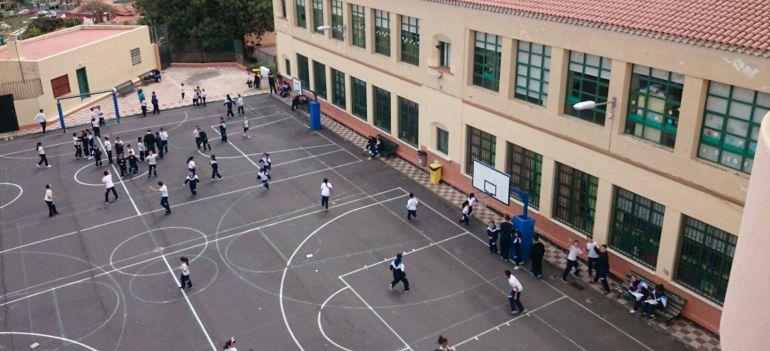 El Ayuntamiento de Santa Cruz de Tenerife techará cinco canchas escolares en 2021