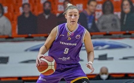 Krisztina Raksányi se gana la renovación con el Clarinos