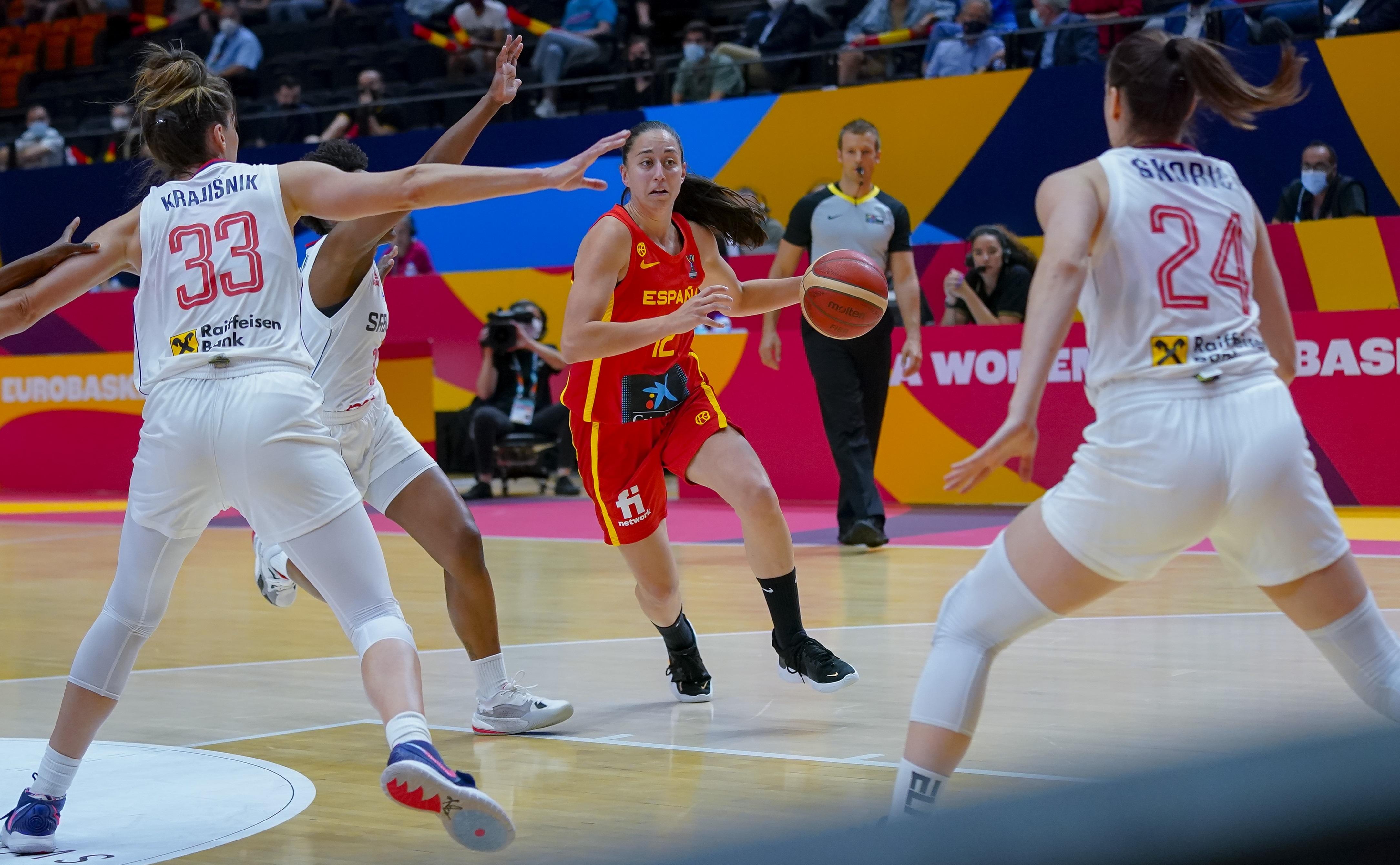 España se olvida de defender y errática en el tiro y Serbia la elimina en cuartos del EuroBasket