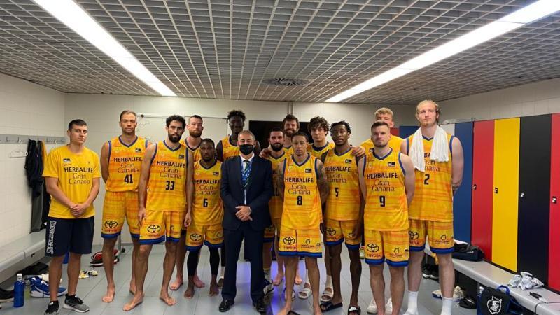 Francisco Castellano estuvo en Madrid y fue al vestuario amarillo tras la derrota