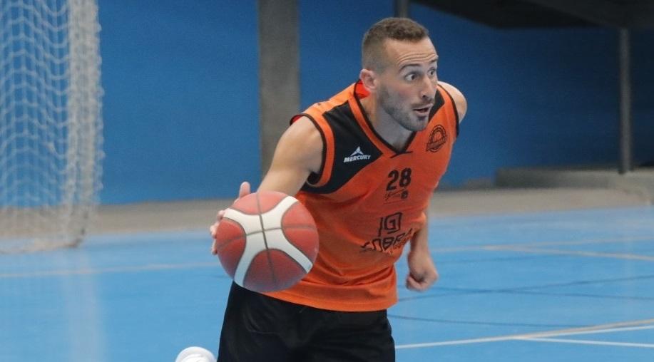 Eduardo Tejero, primera renovación del Dadarmo Güímar para Liga EBA