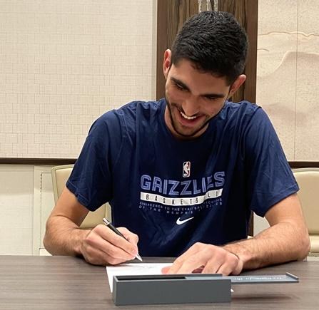 Santi Aldama firma un contrato multianual con Memphis Grizzlies y ya es oficialmente jugador de la NBA