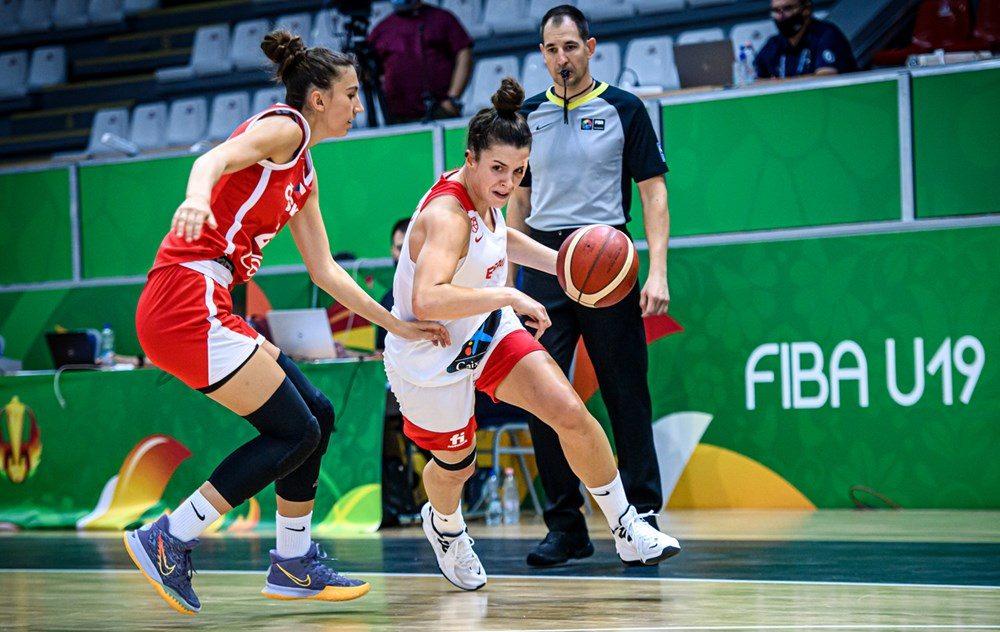 Otra gran actuación de Elena Buenavida no evita la derrota de España