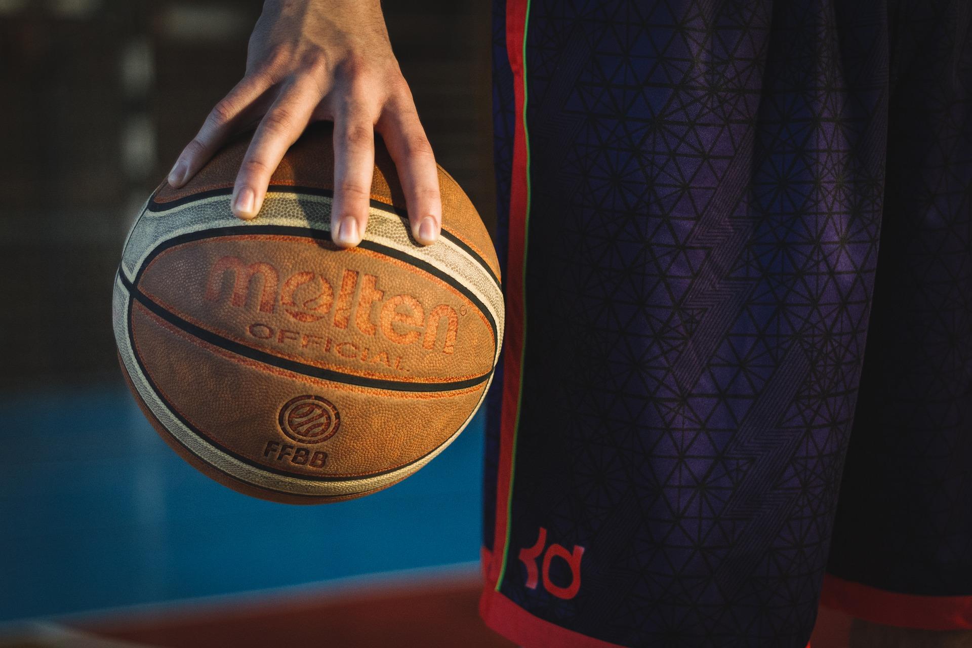 Herren-Oberliga: Spitzenspiel in Altenhagen
