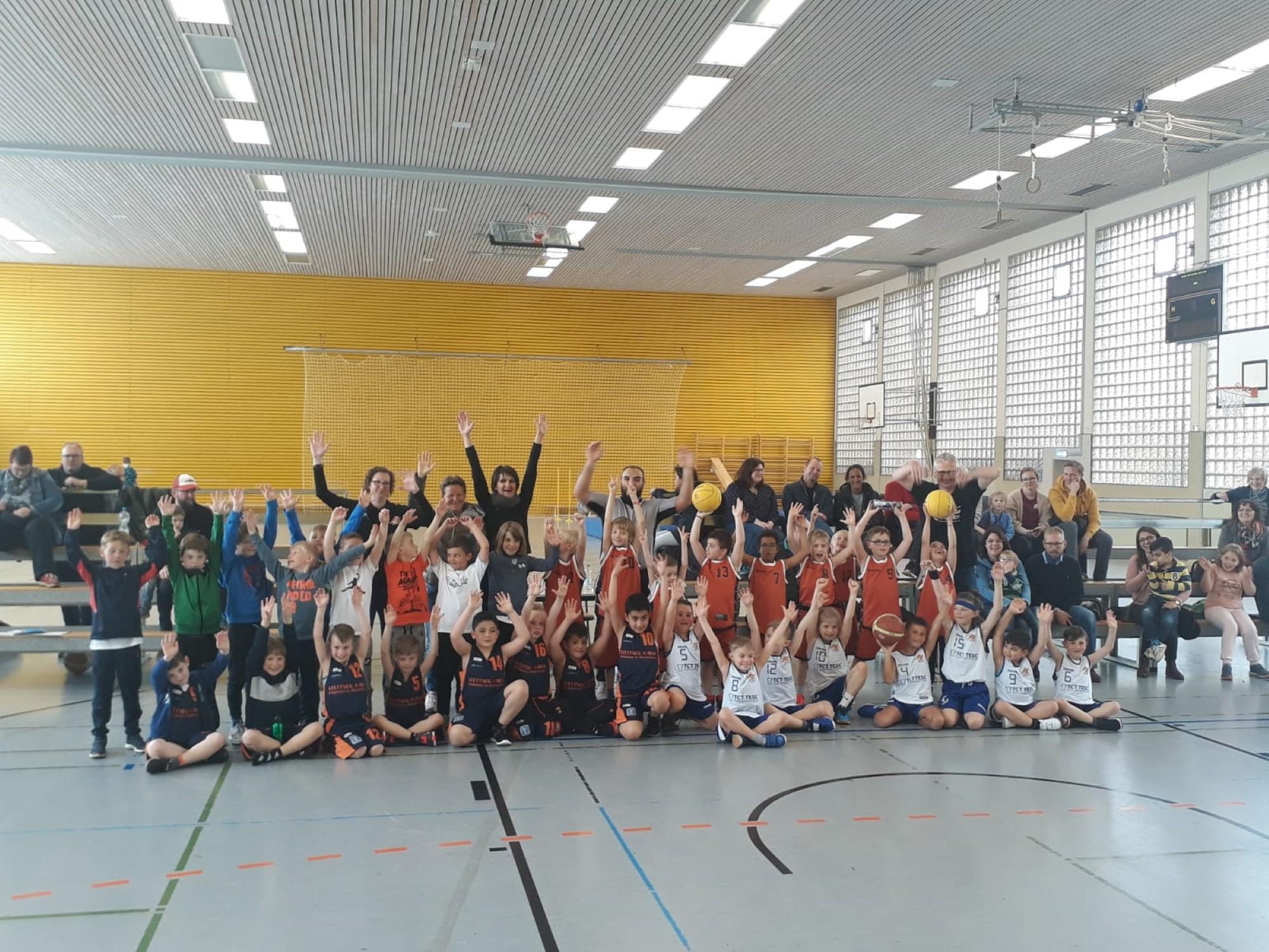 "Mini-Mai-Turnier: Kleine ""Baller"" große Klasse"