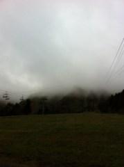 Derrière les  nuages... le Sancy ...si si croyez moi !!!!