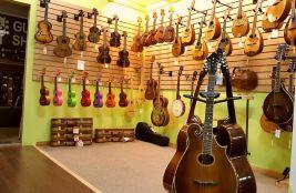 ukuleles-2