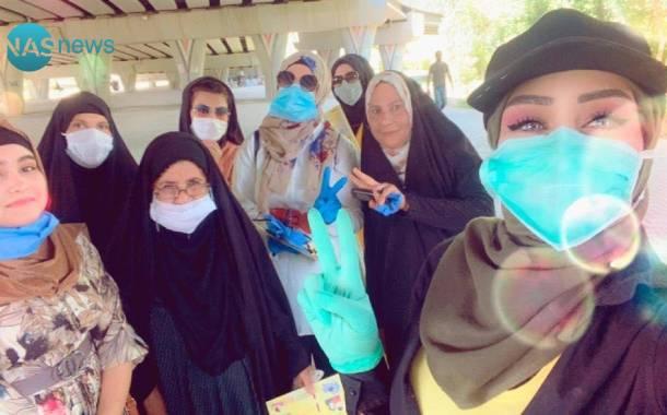 فتيات ومبادرة 'مفعمة بالأمل' .. سيلفي مع 'كوفيد 19' في ديالى