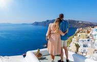 اليونان تعيد فتح جزرها أمام السياح بعد انخفاض حدة الجائحة