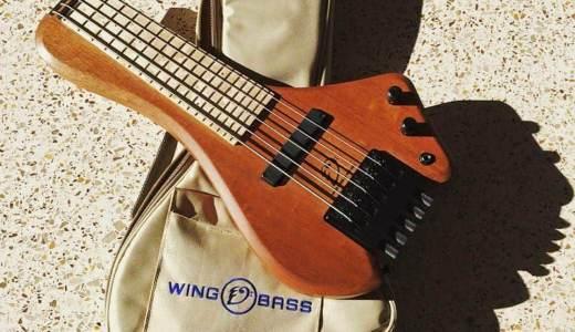 多弦ベースなのに超ミニサイズ!「Wing Bass」がカッコいい!