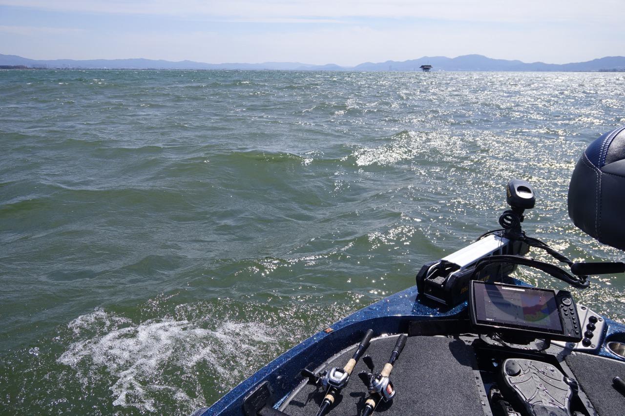荒れ荒れの琵琶湖