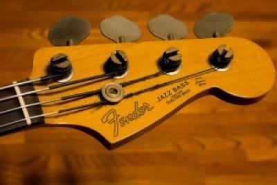 tête Fender Jazz Bass