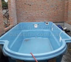 Установка бассейна из композита в доме в Киеве фотография 16.
