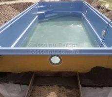 Строительство бассейна из композита для дачи фотография 4.