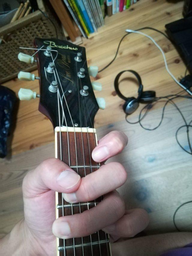 ギターのリフとは?