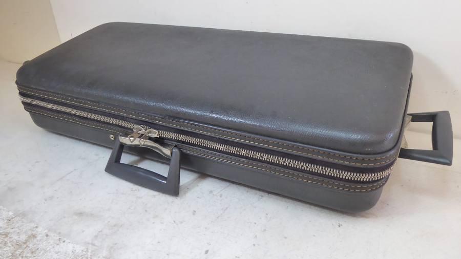Selmer zippered saxophone case, sax case, vintage case, grey case, handles