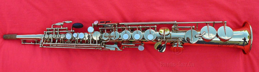 Selmer Mark VI, soprano sax, gold lacquered, red cloth,
