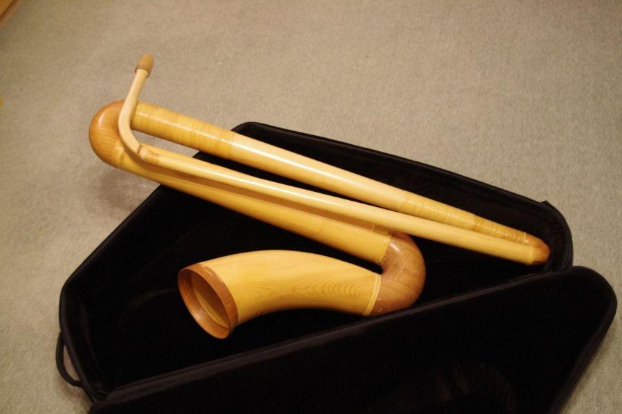alphorn, Alpensaxophon, Bernatone, saxophone-shaped alphorn