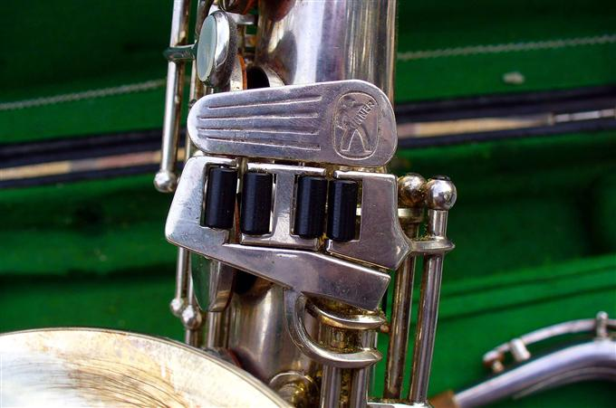 Hohner President, alto sax, vintage sax, German sax, Max Keilwerth, saxophone, saxophone keys, left pinkie cluster