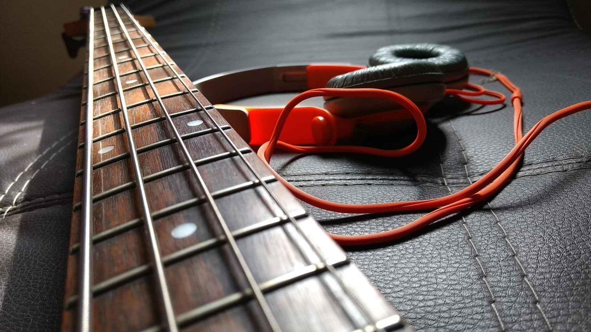 tirant-corde-guitare-basse