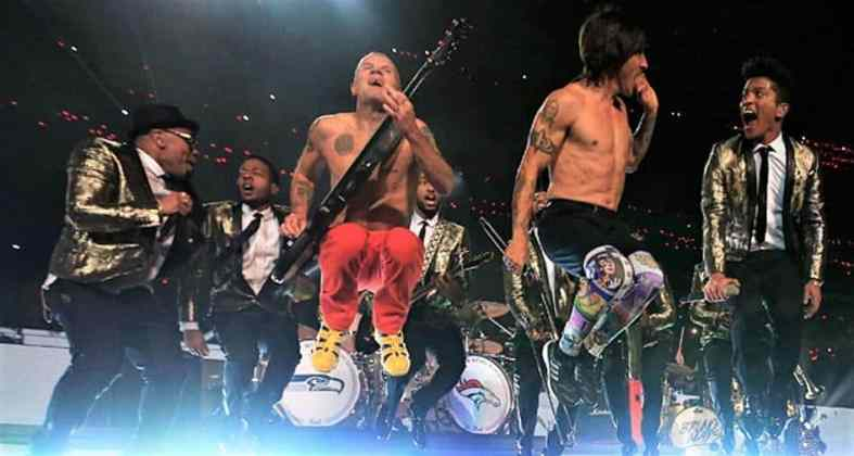 flea bassiste des red hot chili peppers biographie