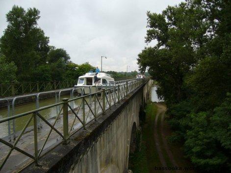 Eine Brücke für Schiffe