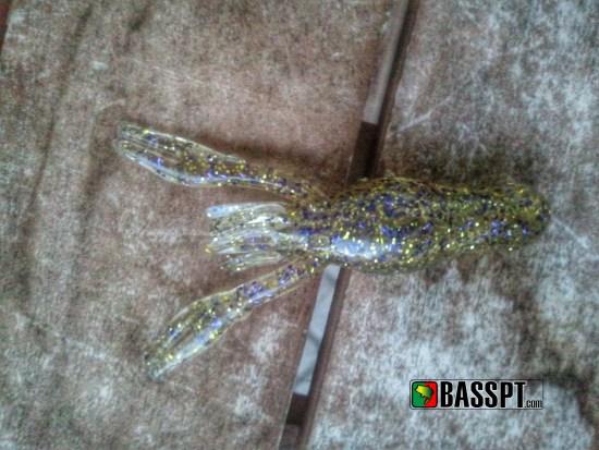 Cortar parte da saia ajuda a realçar os detalhes das patas de lagostim
