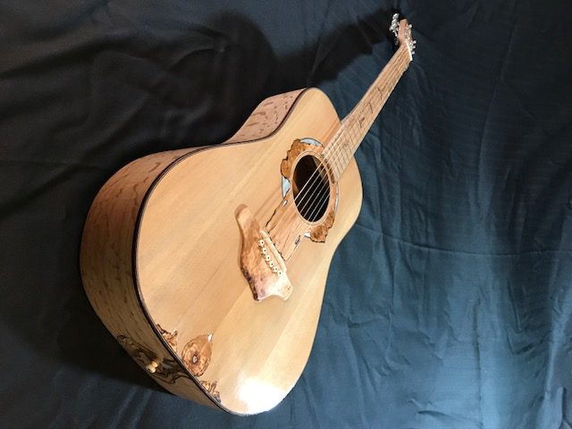 Lila-whole-guitar-3-e1508518164713