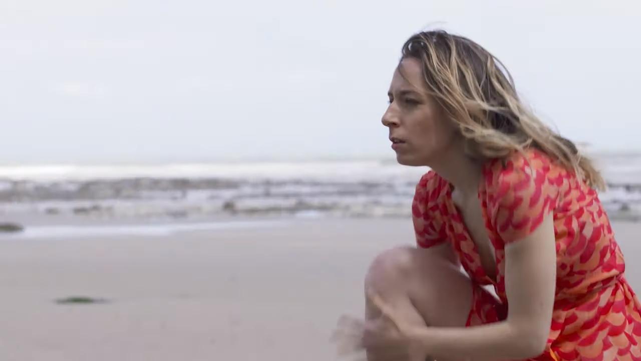 Marie-Claire Neveu surfe sur la vague