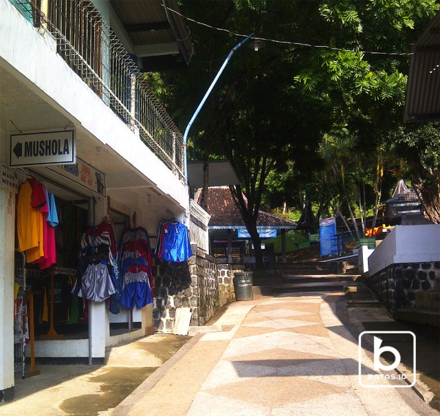 "Fasilitas ""Banyu Anget"", Foto : Yosi Pacitan/batas.id"
