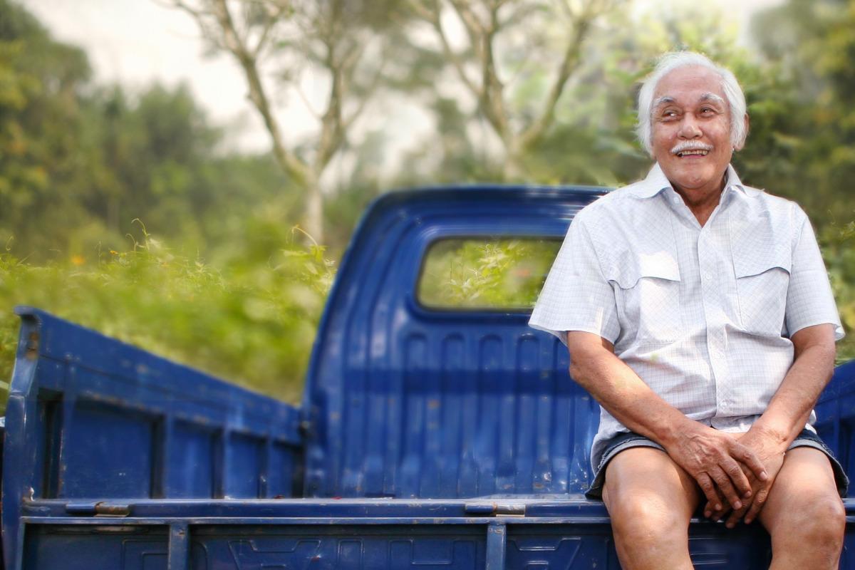 Pengusaha Bob Sadino: Kisah Sukses dan Motivasinya