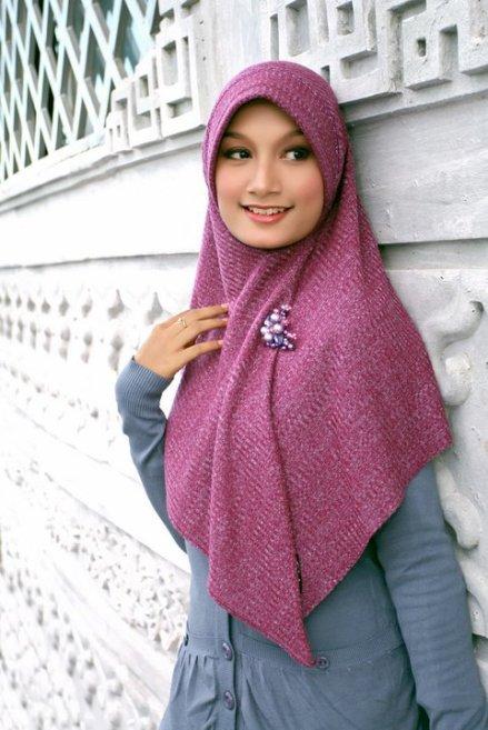 jilbab rajut ungu