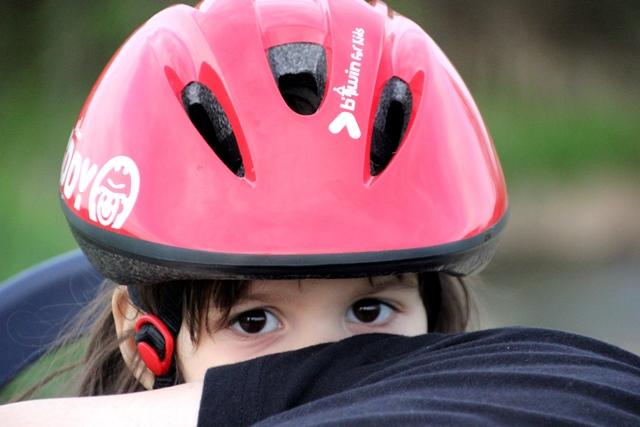 scaun_bicicleta_casca_protectie_batesaua_inchiriere