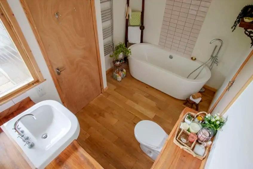 what is the best non slip bathroom flooring