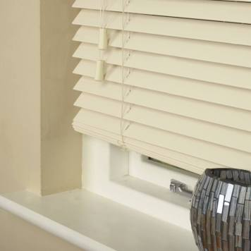 35mm Essence Fauxwood Venetian Blind Fine Grain Linara Cream