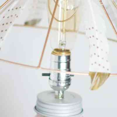 Create a unique Boho Style lamp out of Feathers and a Mason Jar!