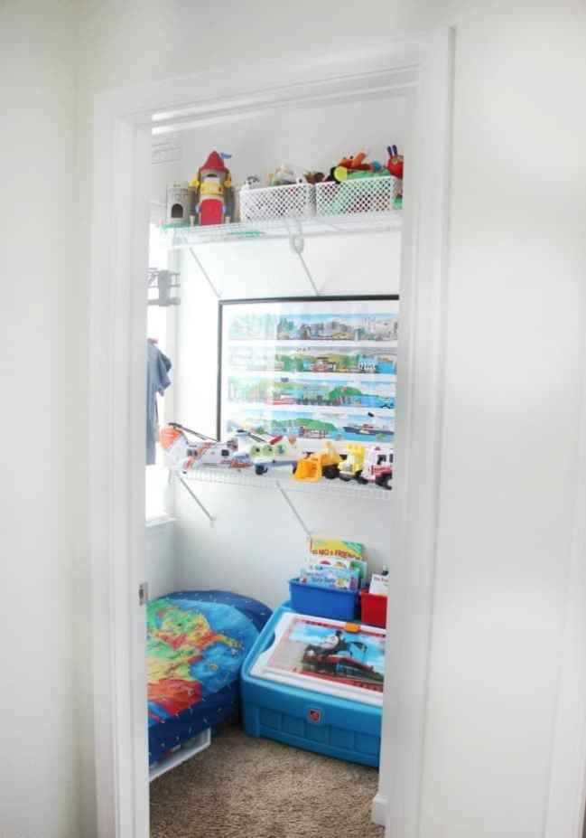 Change a closet into a toddlers room