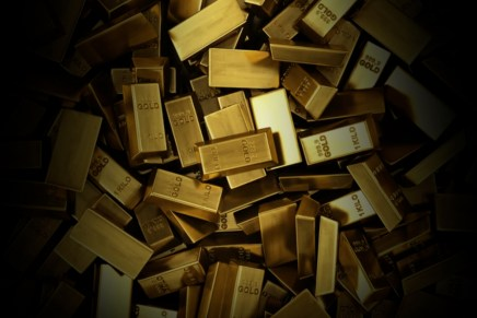 Top del día: Dólar continúa depreciándose y oro se acerca a 2 mil dólares