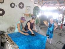 Demo cap batik pada kain
