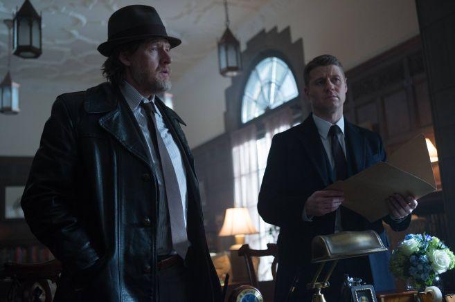 Gotham-ep115_scn14_25189_hires2