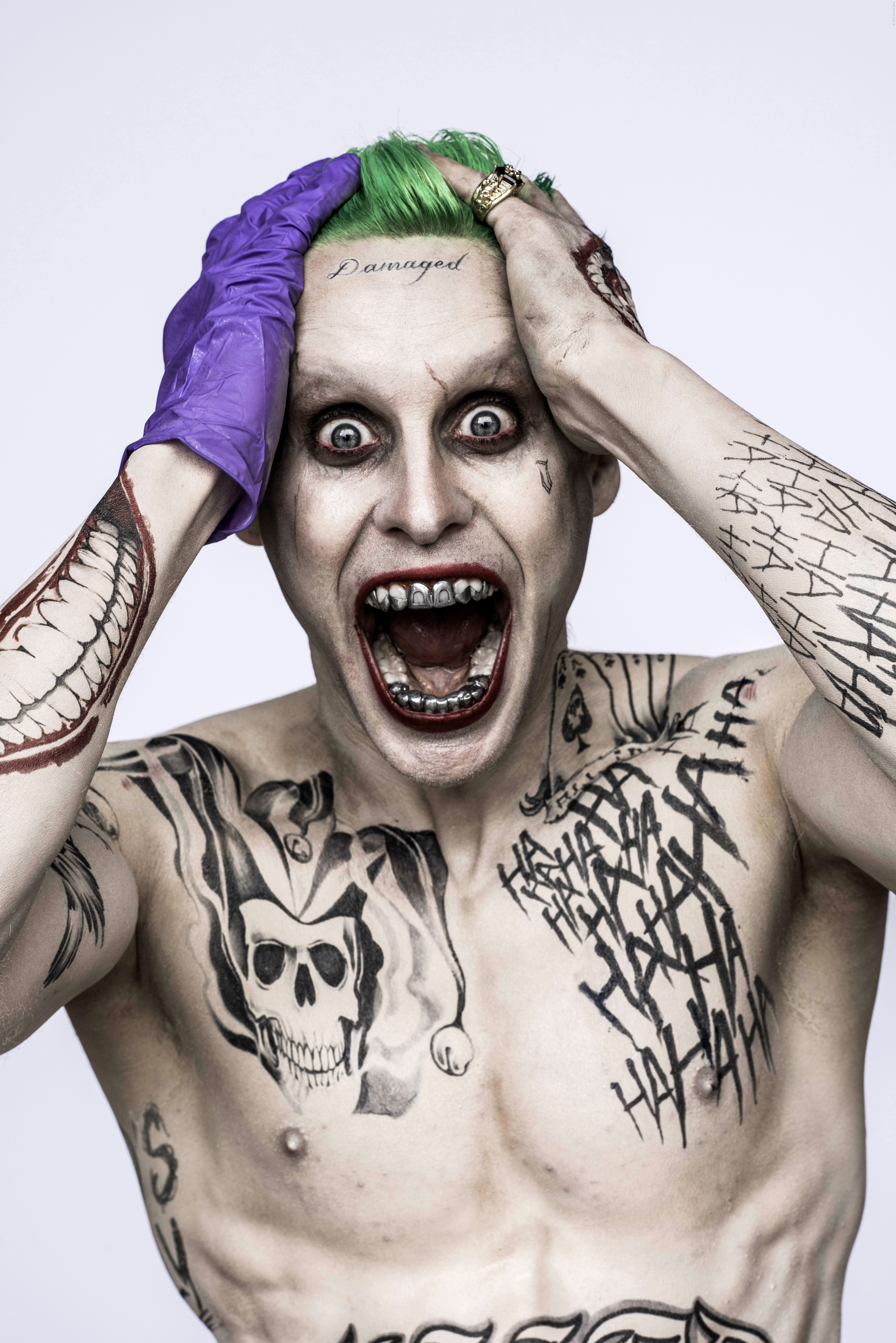 Jared Leto tries to hide his Joker costume in Suicide Squad set