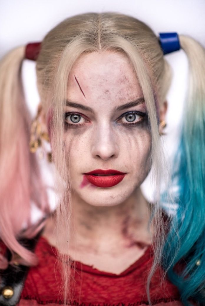 15fccc69516e New portrait of Margot Robbie as Harley Quinn from  Suicide Squad ...