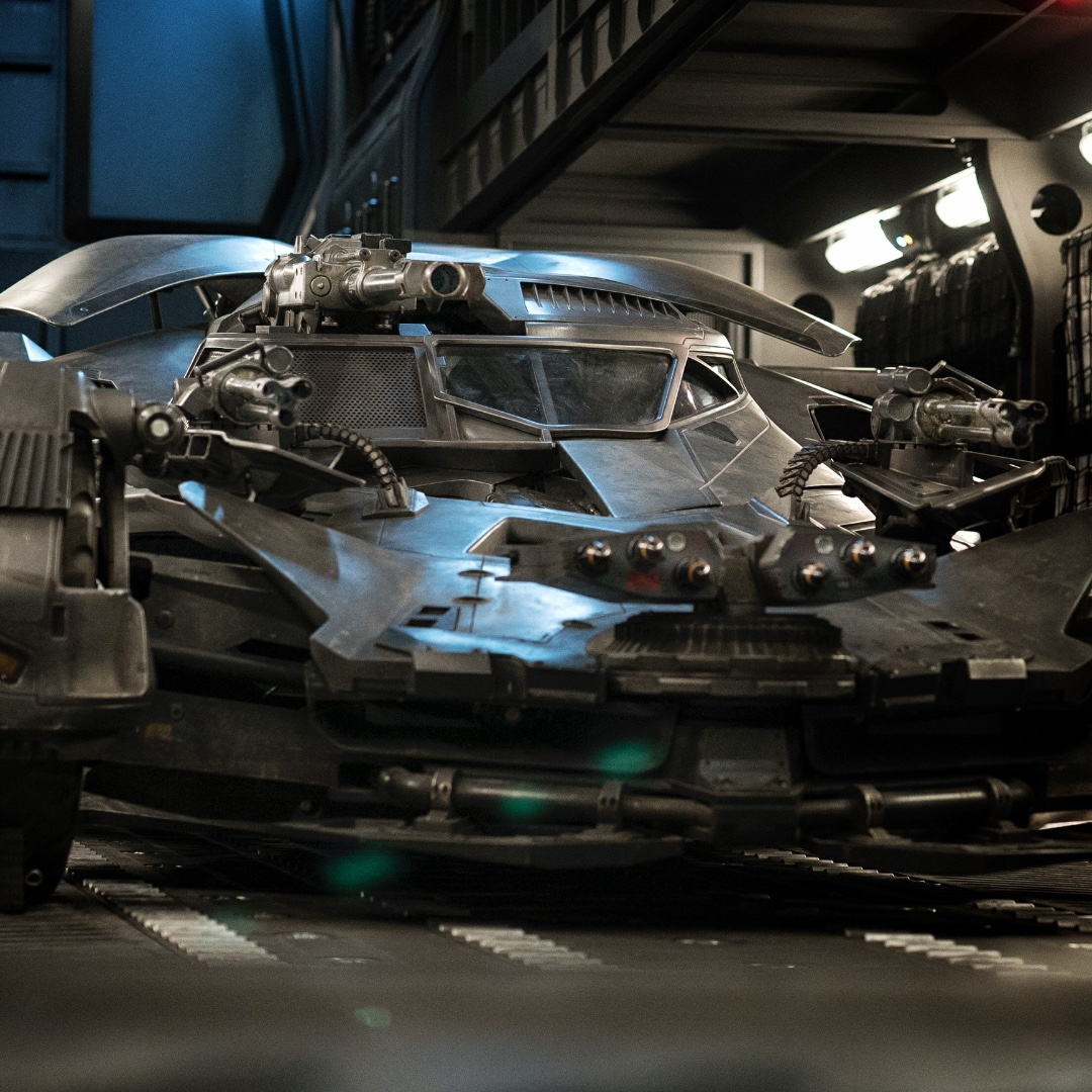 Justice-League-Batmobile-Weapons-Snyder