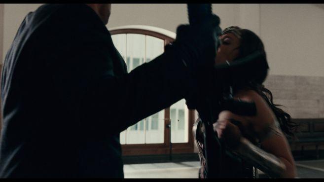 JL-comic-con-trailer-screencaps-24