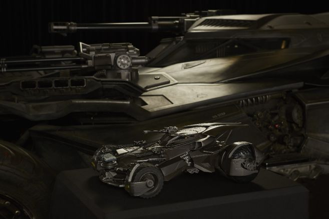 ultimate_justice_league_batmobile 03