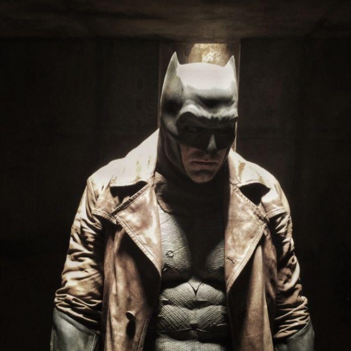 Zack Snyder shares new look at Knightmare Batman from \'Batman v ...