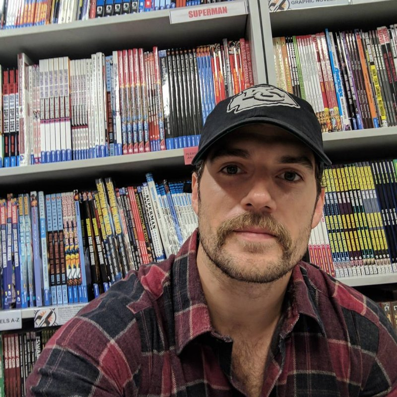 Free Comic Book Day Kansas City: 'Justice League' Star Henry Cavill Buys Lots Of DC Comics
