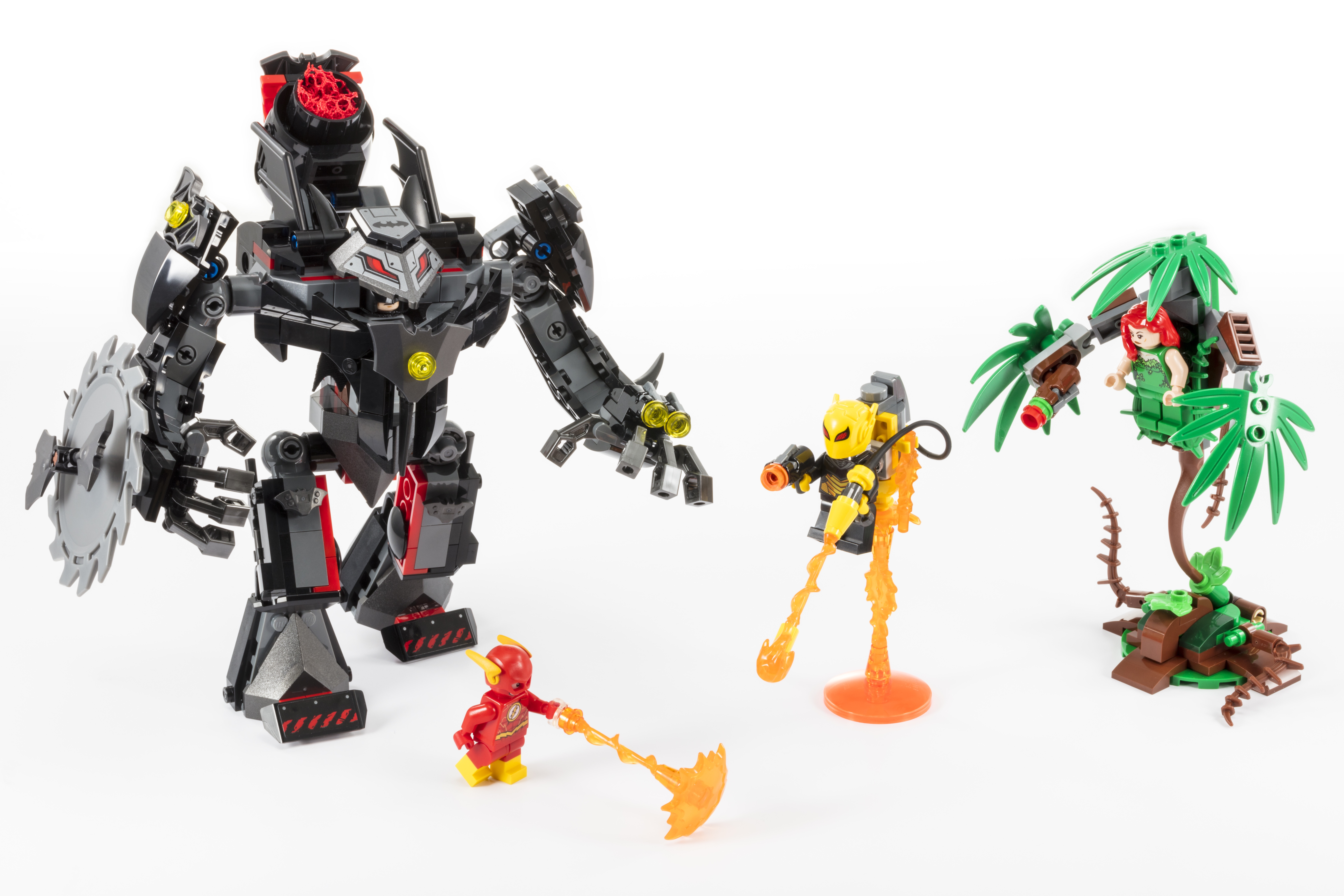 Exclusive Lego Reveal First Look At Upcoming Dc Super Heroes Set Batman Mech Vs Poison Ivy Mech Batman News