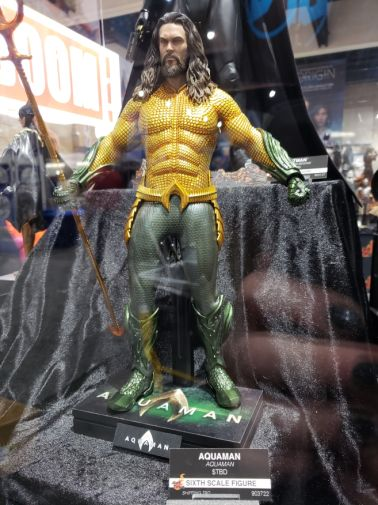 aquaman-sideshow-toy-original-costume-5-e1531944155151